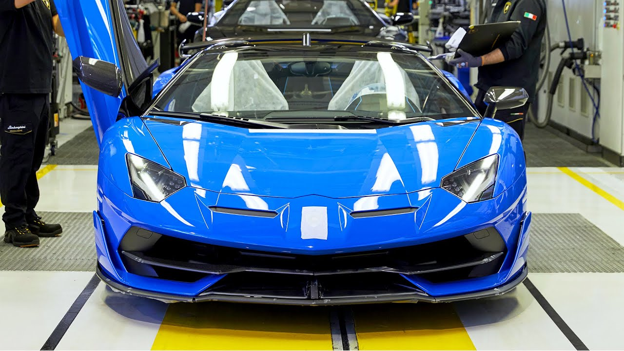 Linia de productie Lamborghini Aventador SVJ, Huracan EVO si Urus (2020)